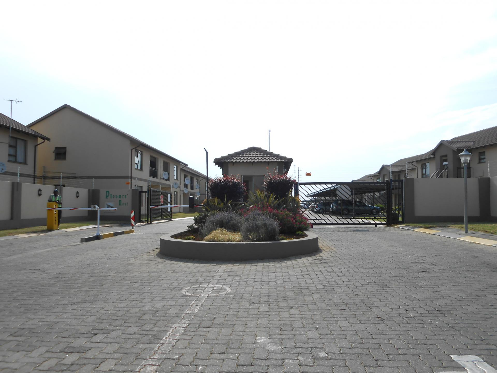 Front View of property in Parkrand