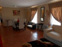 Lounges - 20 square meters of property in Crystal Park