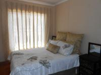 Bed Room 1 - 8 square meters of property in Crystal Park