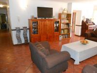 Lounges - 29 square meters of property in Magalieskruin