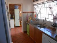 Kitchen - 10 square meters of property in Magalieskruin