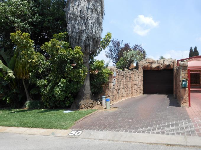 Standard Bank EasySell 3 Bedroom House For Sale in Birchleigh - MR118080