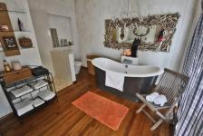 Bathroom 2 - 3 square meters of property in Somerset West