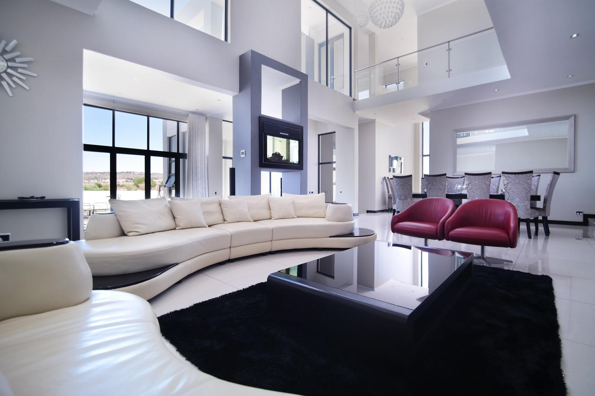 Formal Lounge of property in Six Fountains Estate