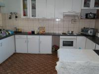 Kitchen - 48 square meters of property in Parow Central