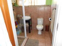 Bathroom 1 - 5 square meters of property in Mayville