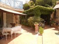 Patio - 24 square meters of property in Sunninghill