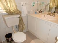 Bathroom 2 - 6 square meters of property in Sunninghill
