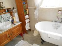 Bathroom 3+ - 24 square meters of property in Sunninghill
