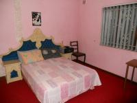 Bed Room 1 - 14 square meters of property in Umzinto