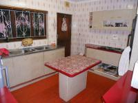 Kitchen - 13 square meters of property in Umzinto