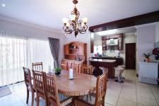 Dining Room - 21 square meters of property in Olympus Country Estate