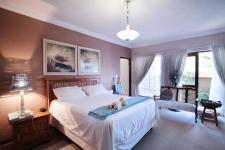 Bed Room 1 - 38 square meters of property in Olympus Country Estate