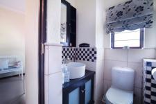 Bathroom 3+ - 11 square meters of property in Olympus Country Estate