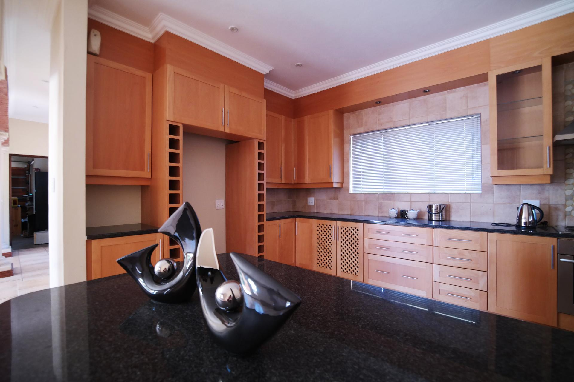 Kitchen - 28 square meters of property in Willow Acres Estate