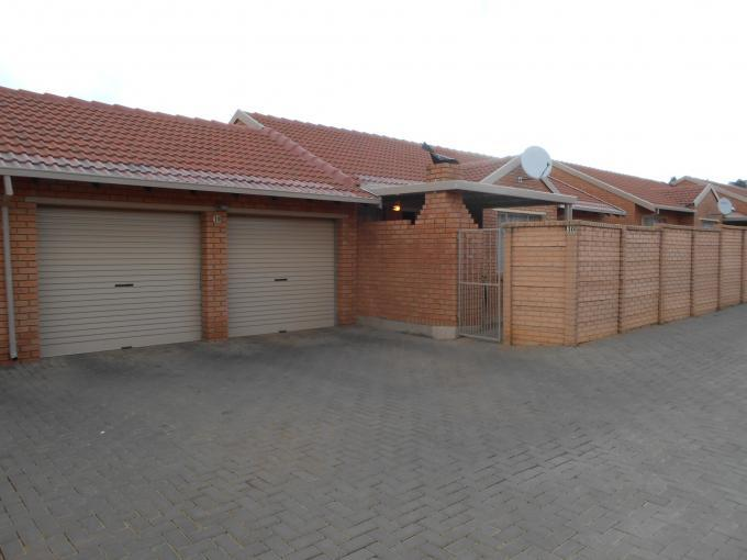 3 Bedroom Sectional Title for Sale For Sale in Willow Park Manor - Home Sell - MR118306