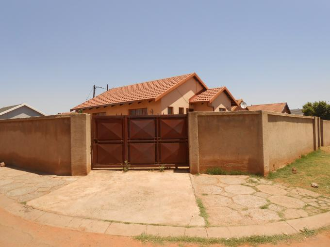 Standard Bank EasySell 2 Bedroom House For Sale in Roodepoort - MR118320