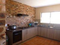 Kitchen of property in Rangeview