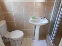 Main Bathroom - 2 square meters of property in Midrand