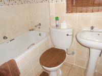 Main Bathroom - 3 square meters of property in Witpoortjie