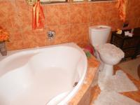 Bathroom 1 - 7 square meters of property in Ennerdale