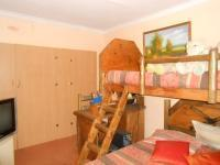 Bed Room 1 - 10 square meters of property in Ennerdale