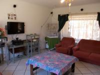 Lounges - 53 square meters of property in The Orchards