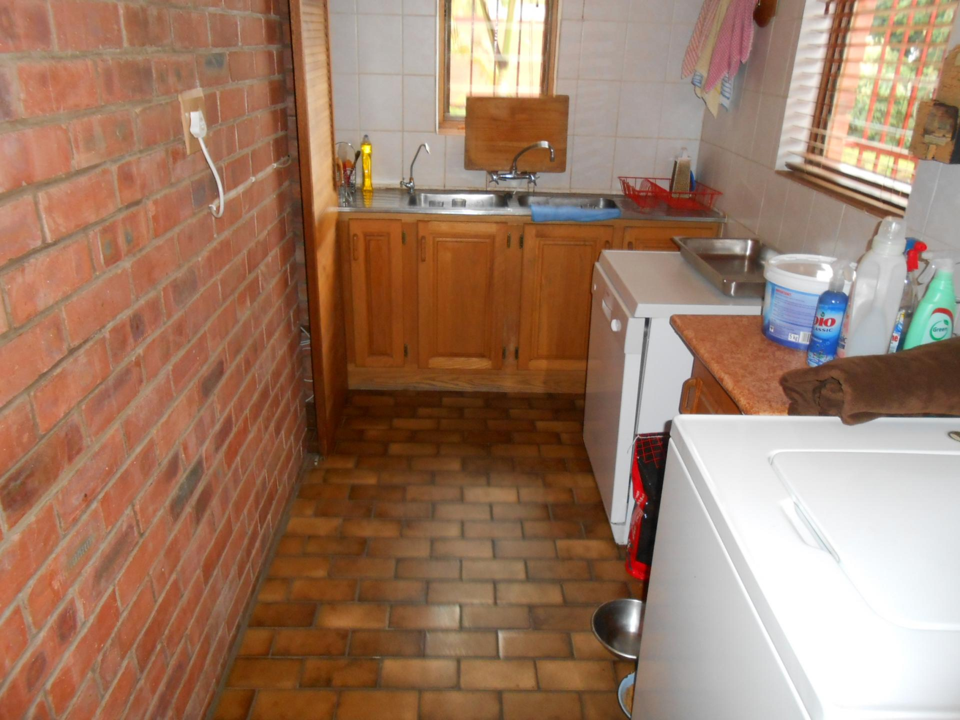 Kitchen - 31 square meters of property in Brits