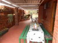 Patio - 97 square meters of property in Brits