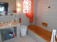 Main Bathroom - 8 square meters of property in Vanderbijlpark