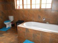 Bathroom 2 - 10 square meters of property in Meyerton