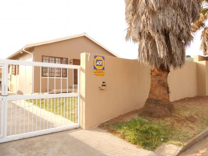 3 Bedroom House for Sale For Sale in Sophiatown - Home Sell - MR118625