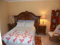Main Bedroom - 16 square meters of property in Meer En See