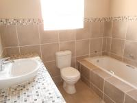 Bathroom 2 - 6 square meters of property in Florida Hills