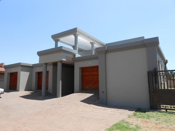 5 Bedroom House for Sale For Sale in Vanderbijlpark - Private Sale - MR118631