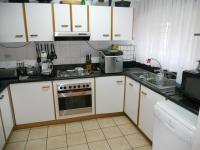 Kitchen - 13 square meters of property in Winklespruit