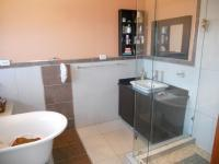 Main Bathroom - 8 square meters of property in Umhlanga Rocks