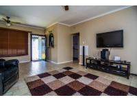 Lounges - 35 square meters of property in Brackendowns
