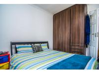 Bed Room 1 - 9 square meters of property in Brackendowns