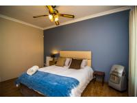 Main Bedroom - 23 square meters of property in Brackendowns