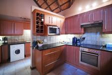 Kitchen - 22 square meters of property in Wapadrand
