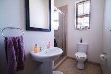 Bathroom 2 - 5 square meters of property in Six Fountains Estate
