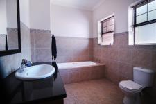 Bathroom 3+ - 12 square meters of property in Six Fountains Estate