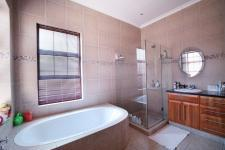 Main Bathroom - 14 square meters of property in Six Fountains Estate