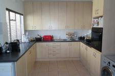 Kitchen - 24 square meters of property in Wellway Park