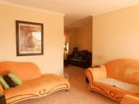 Lounges - 14 square meters of property in Ormonde