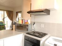 Kitchen - 6 square meters of property in Horison View