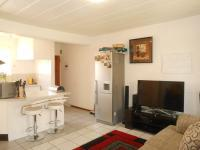 Lounges - 14 square meters of property in Horison View
