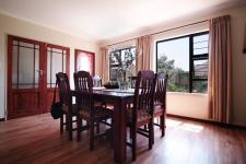 Dining Room - 21 square meters of property in Six Fountains Estate