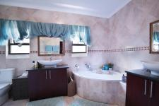Bathroom 1 - 12 square meters of property in Six Fountains Estate